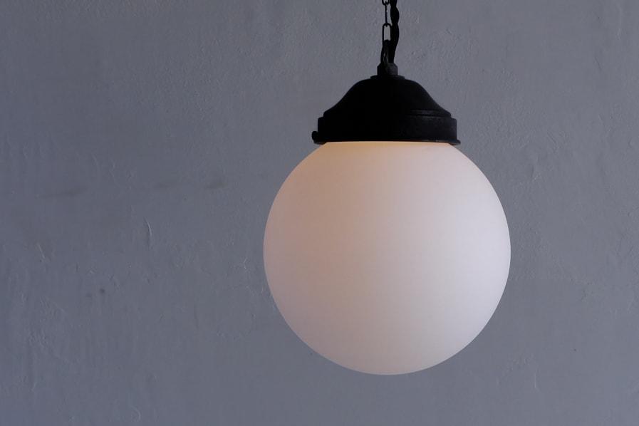 日本のアンティーク調の暖かい灯りのリラックスできる照明