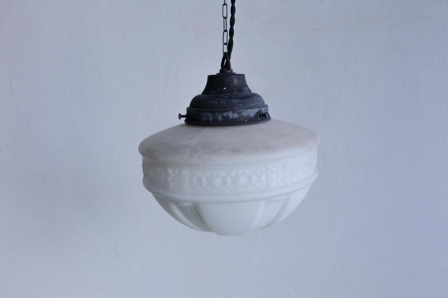 """""""ICCAの日本のアンティークの彫刻的な模様のある乳白色のペンダントライト""""/"""