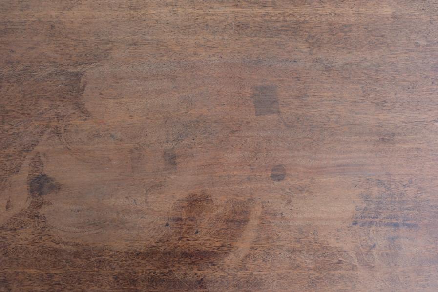 日本のアンティークの風合いのある角脚のデスク