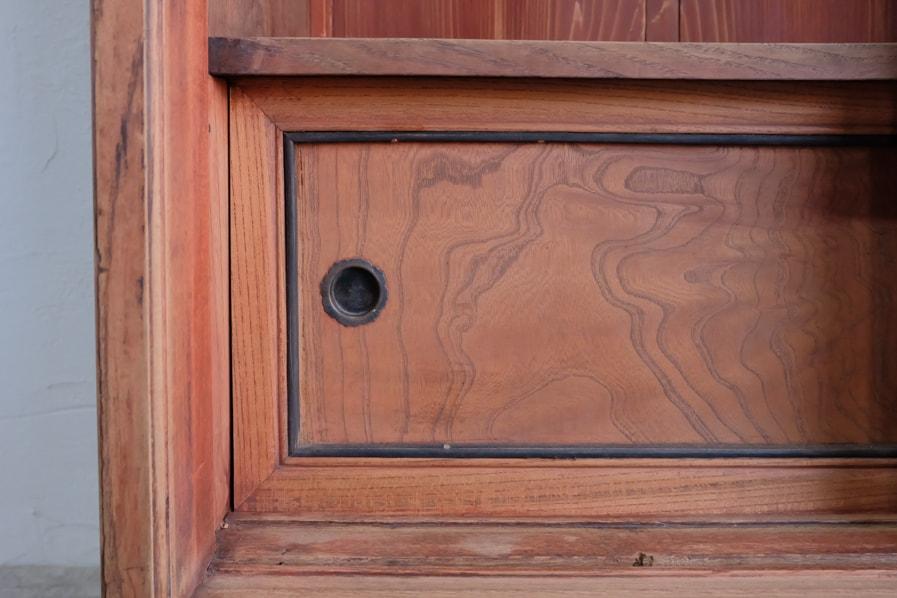 日本のアンティークのケヤキ材を使用した縦長の茶箪笥