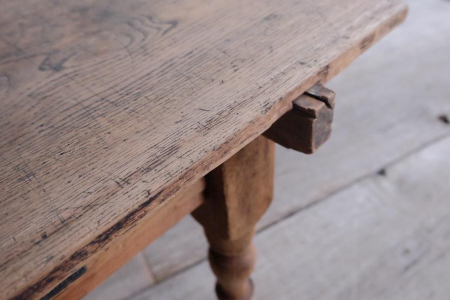 日本のアンティークの古道具の引き出し付きのコーヒーテーブル