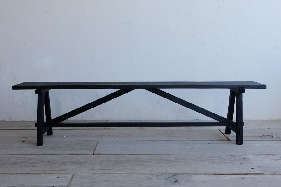 ICCAの日本のアンティークの黒いベンチ