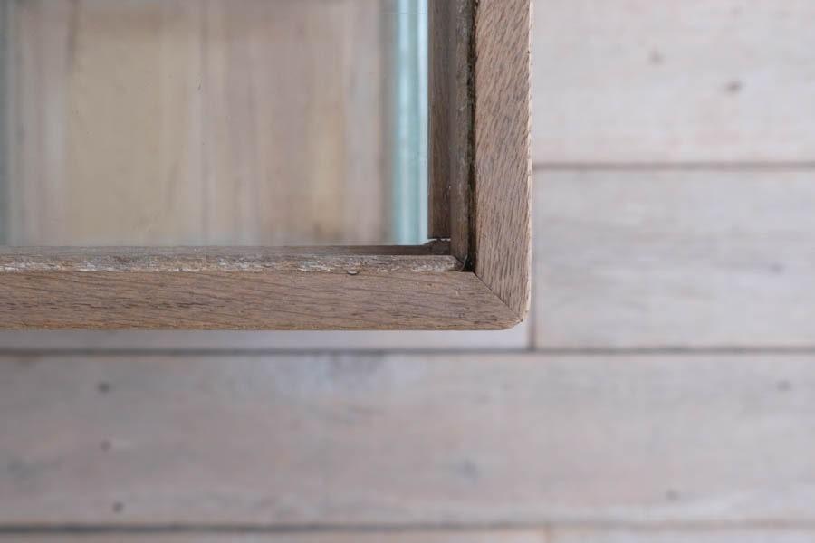 ICCAの日本の古家具のガラスショーケース