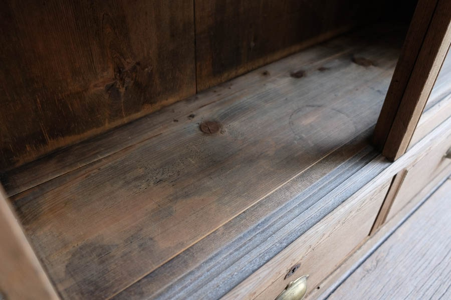 ICCAの日本のアンティークの和風な飾り棚
