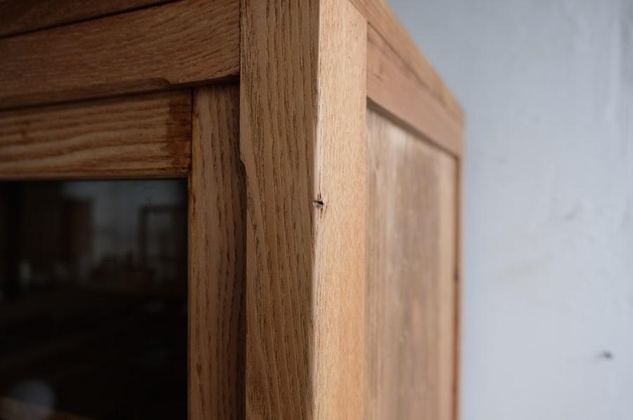 ICCAの日本の古家具の栗の食器棚