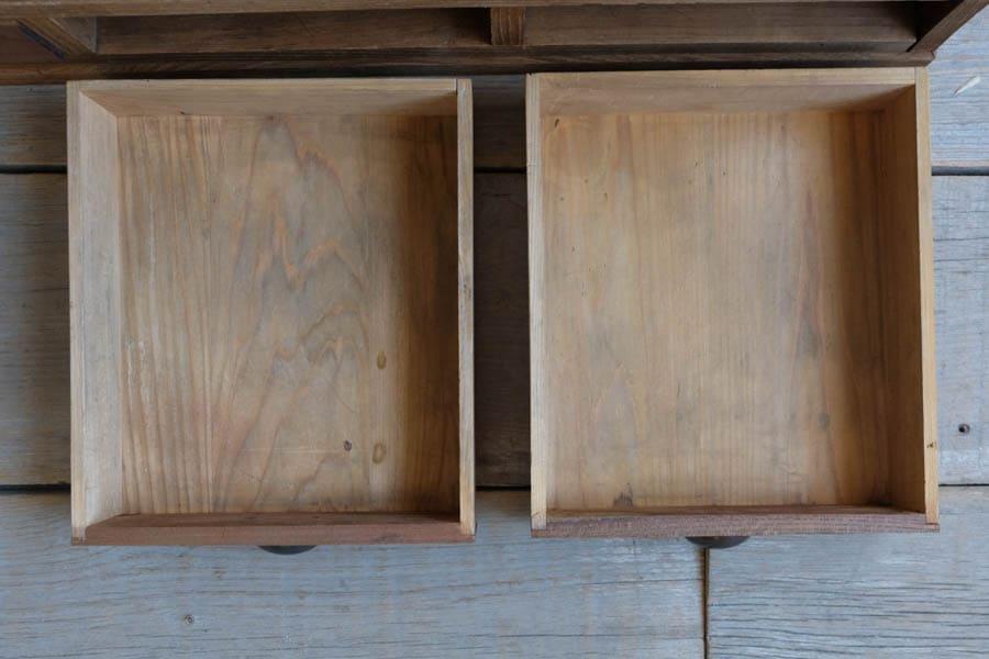 ICCAの日本のアンティークのテレビボード