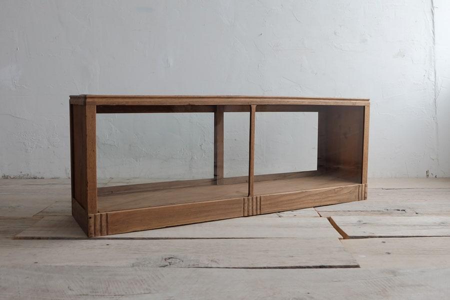 ICCAの日本のアンティークのガラス扉のテレビボード