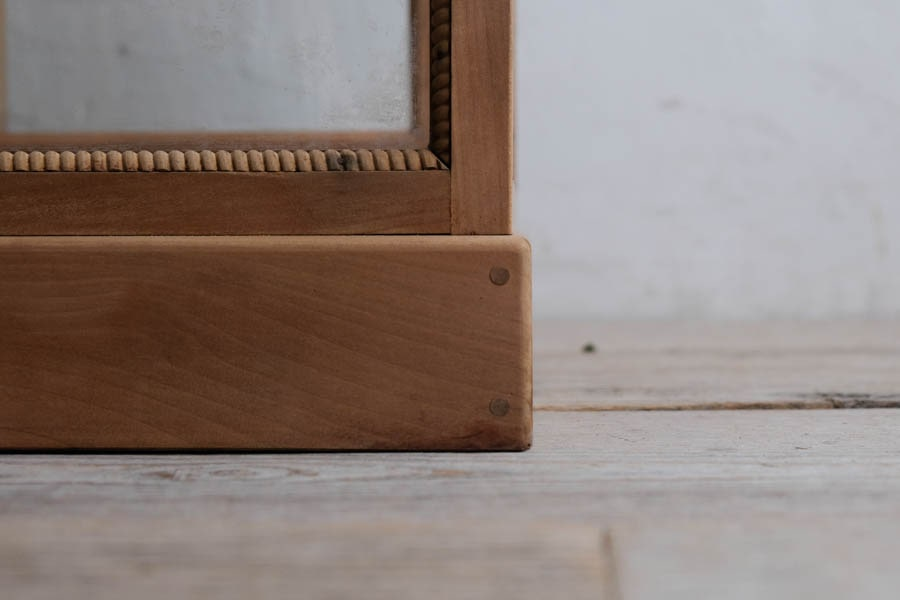 ICCAの日本の古家具のレトロなショーケース