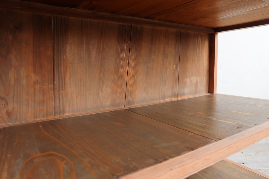 ICCAの日本のアンティークの4段のオープンラック