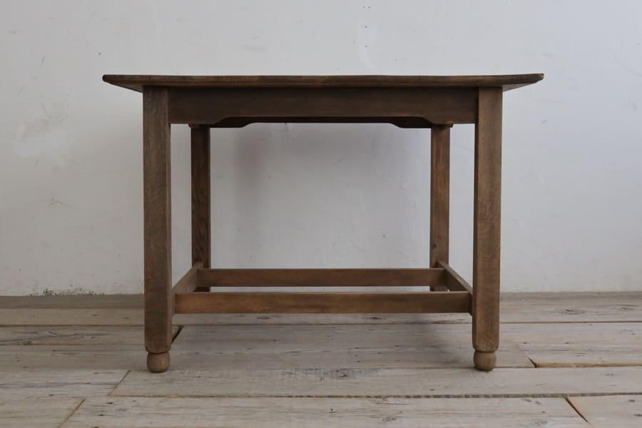 ICCAの日本のアンティークのダイニングテーブル