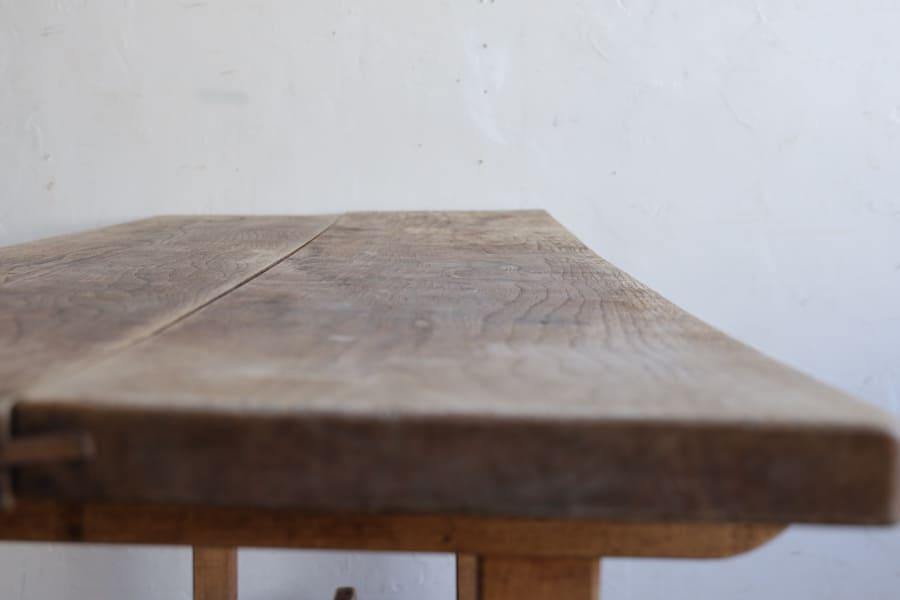 日本のアンティークのダイニングテーブル