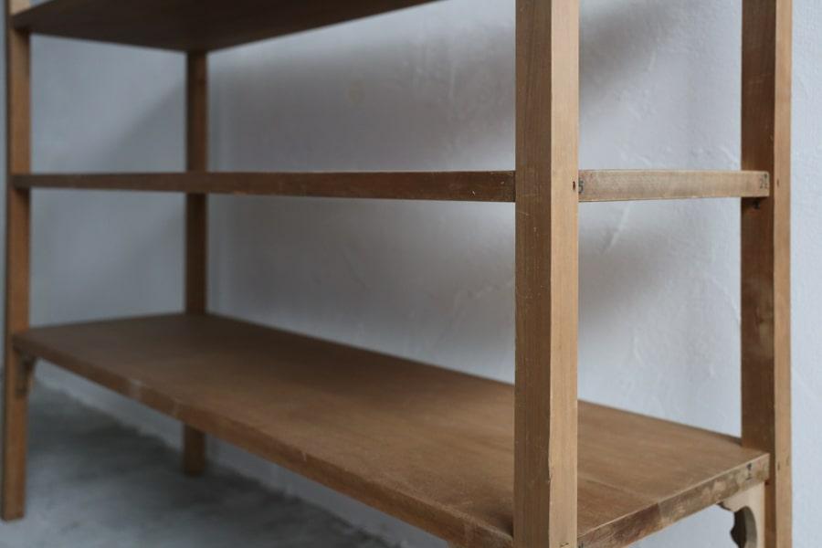 ICCAの日本のアンティークのオープンラック